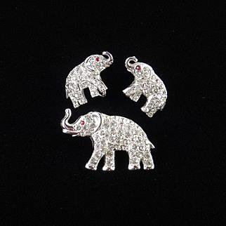 ORA Rhinestone Elephant Brooch Pin Earrings Demi Parure Set Rhodium Plate