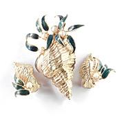 Mimi di N Enamel Faux Pearl Sea Shell Brooch Pin Earrings Demi Parure Set
