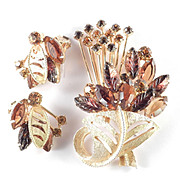 Rhinestone Molded Art Glass Flower Basket Spray Brooch Pin Earrings Demi Parure Set
