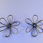 Joseff of Hollywood Flower Blossom Earrings w / Rhinestones