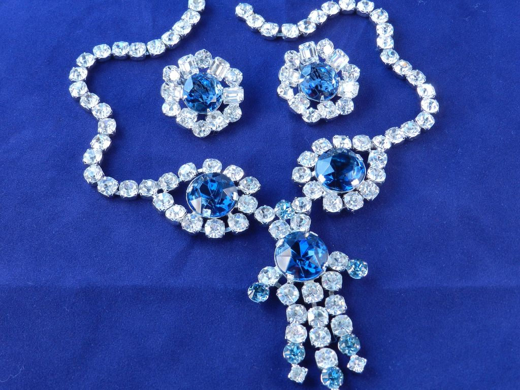 Vintage Large Rhinestone Bib Necklace Earrings Set Demi Parure
