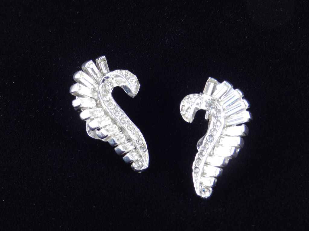 Ledo Polcini Rhinestone Baguette Earrings Rhodium Plate