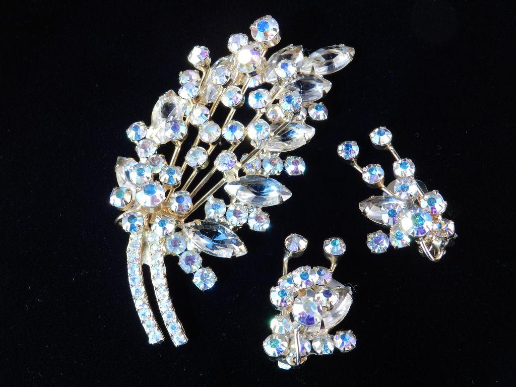 D&E Juliana Rhinestone Art Glass Brooch Pin Earrings Set Demi Parure