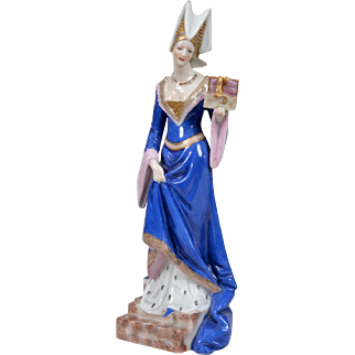 Midevil Dressel & Kister Queen Figurine - 9.5 Inches