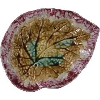 19th Majolica Begonia Leaf Dish