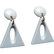 Geometric Mod 60's 70's Heavy Weight White Plastic Clip Earrings