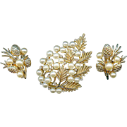 Vintage Trifari Pine Cone Fir Branch Rhinestone Brooch Pin Earring Set