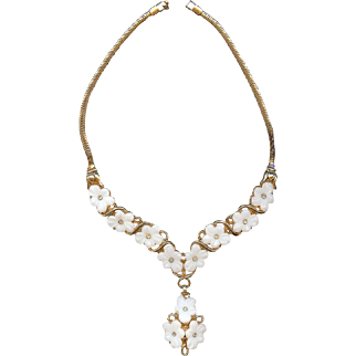 Bridal 1951 Trifari Alfred Philippe White Poured Glass Forget Me Not Necklace