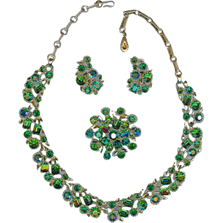 Vintage Lisner Emerald and Peridot Green Rhinestone Necklace Brooch Earring Set