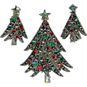 Festive 1960s Hollycraft Christmas Tree Red Green Brooch Earring Set