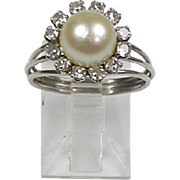 Vintage 14K Gold Diamond .50ctw Pearl Ring Delicate Raised Setting