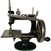 1936 Singer Model 20 Child's Sewing Machine