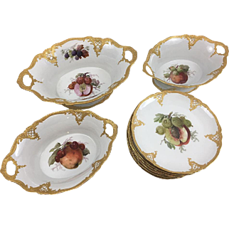 Porcelain Desert Service. 3 Fruit Bowls, 12 Plates. Furstenberg, Early 20th Century