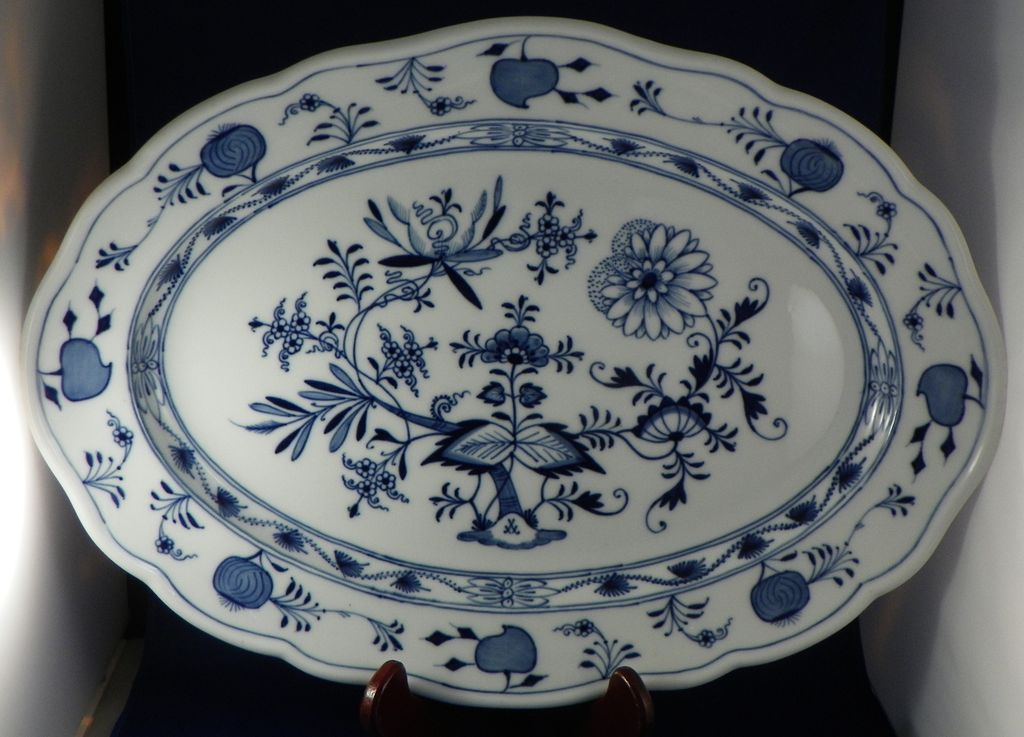 Oval Platter Meissen Blue Onion Porcelain Early 20th Century