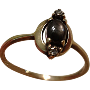 Lovely Vintage 10k Gold, Diamond & Black Star Sapphire Ring