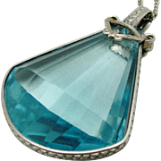 Lovely Art Deco Aquamarine Glass Engraved Silver Bezel Pendant Necklace