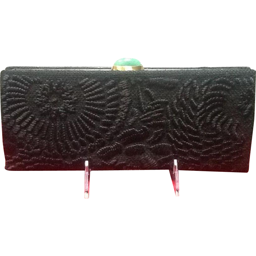 Vintage natori embroidered evening clutch with glass jade