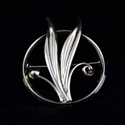 Vintage Gold Filled Dixelle Circle with Leaves Brooch