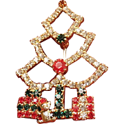 Sparkly Festive Christmastree Rhinestone Brooch
