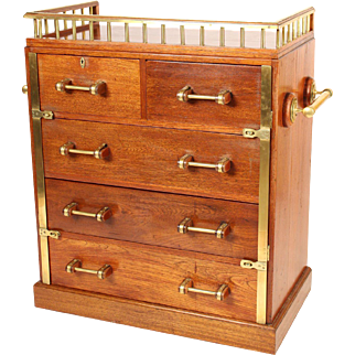 Ships chest of drawers