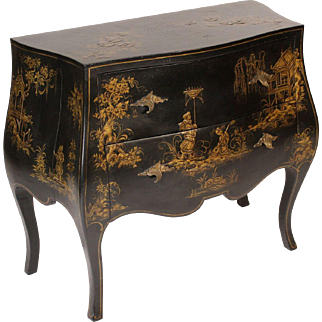 Italian Louis XV style chinoiserie decorated bombe commode