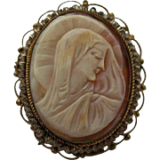 Beautiful Blessed Mother Mary Madonna Carved Shell Cameo Brooch Pendant