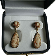 Exquisite Antique 14K Gold Cameo Dangle Drop Screwback Earrings