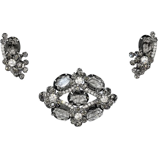 DeLizza and Elster Smokey Gray and Clear Glass Stones and Chatons Demi Set - Book Piece