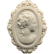 Early Plastic Cream/Ivory Color Cameo Brooch
