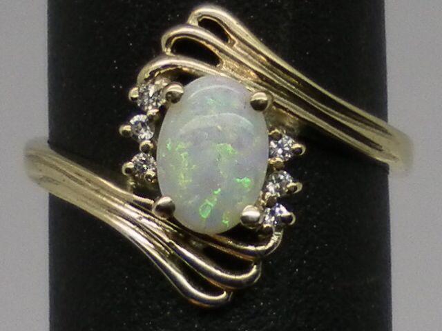 Vintage 14kt Australian Opal & Diamonds Ring; FREE SIZING