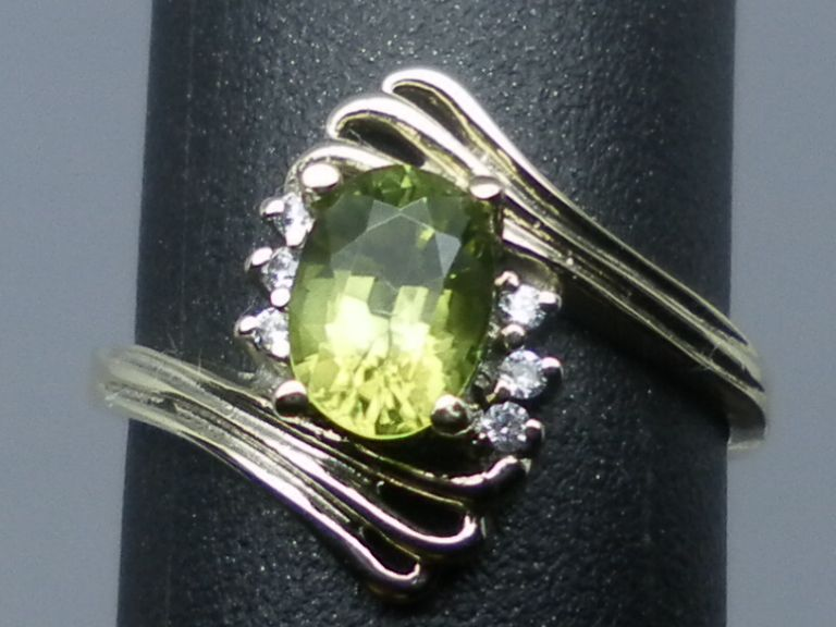 14kt peridot and diamonds ring; FREE SIZING