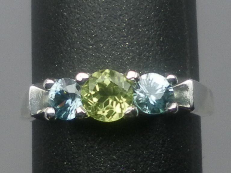 Vintage  14kt Peridot & Blue Zircon Ring; FREE SIZING.