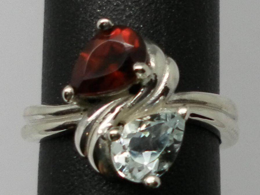 Vintage 14kt Aquamarine & Garnet Ring; FREE SIZING.