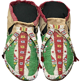 Native American Indian Sioux Man's Beaded Moccasins