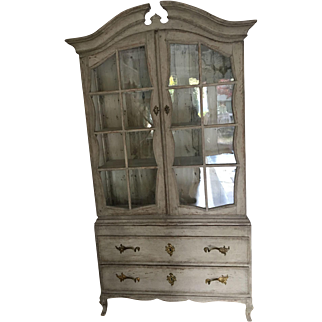 Stunning and extremely rare 18th century Swedish cabinet circa 1770