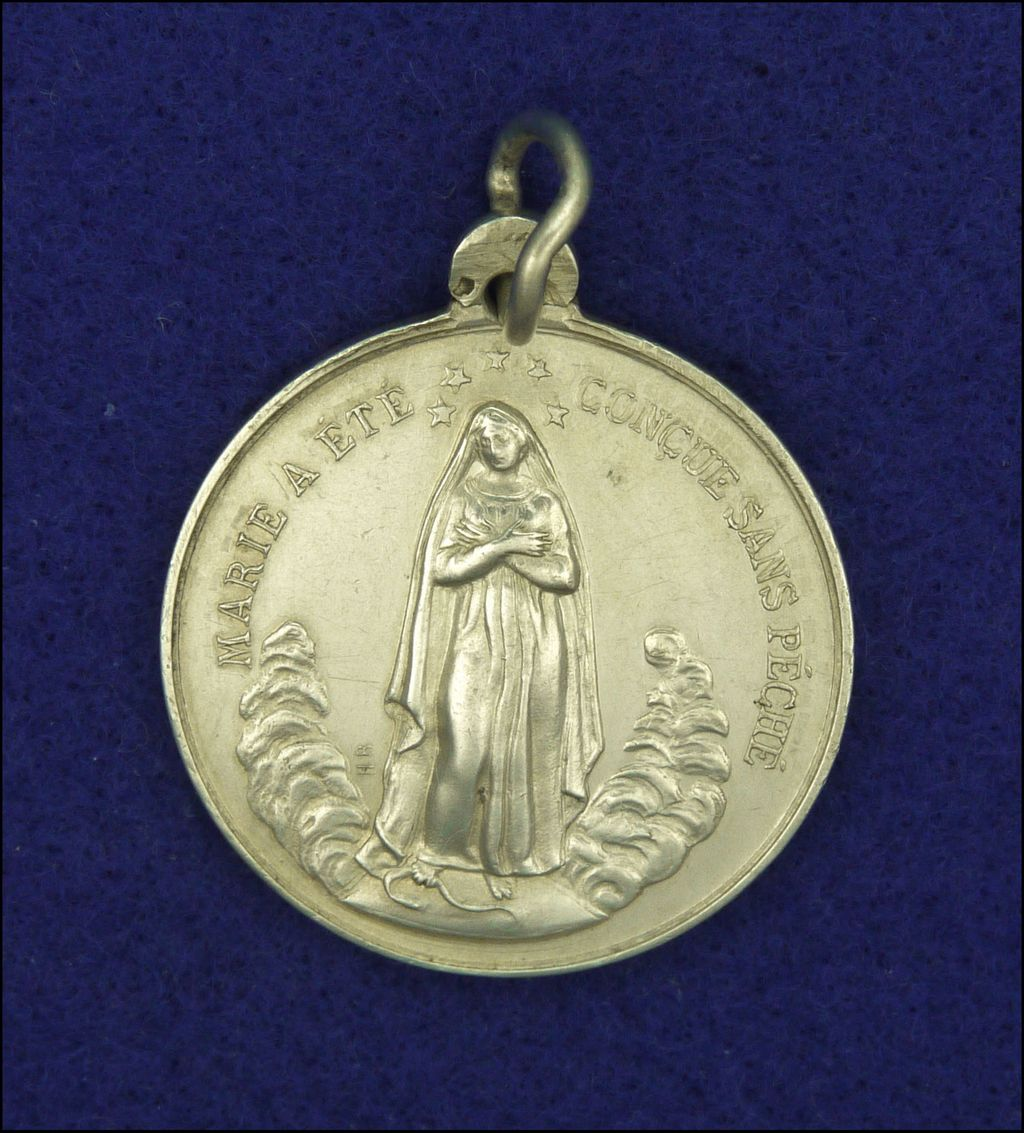 French Large 19c Silver Virgin Mary And Sacred Heart Medal. Si3 Diamond. Half Bezel Diamond. Glacier Fire Diamond. Engaged Diamond. Hpht Diamond. Millennium Diamond. Greek Diamond. Krishnadevaraya Raja Diamond