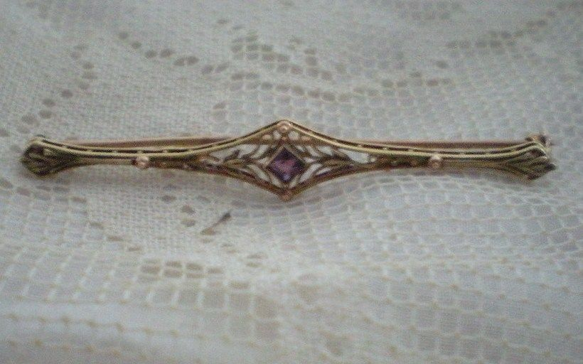 Art Deco Gold and Amethyst Past Bar Pin