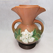 Roseville Gardenia Vase 684-8