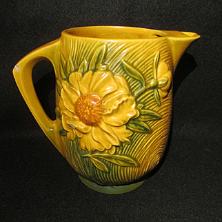 Roseville Peony 1326-7 1/2 Ice Lip Water Pitcher