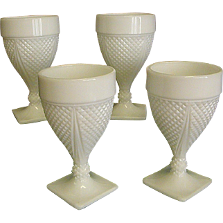 Set of 4 Diamond Dart Milk Glass Stems