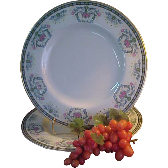 Beautiful Pickard Navarre Dinner Plates From