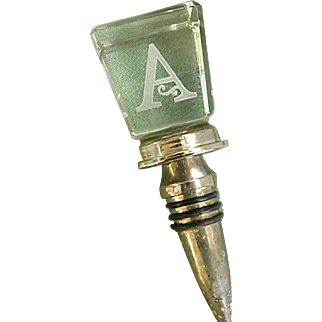 Elegant Clear Crystal Wine Bottle Stopper with Initial