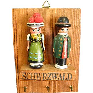 Key Holder with Putz Erzgebirge Boy and Girl Figures