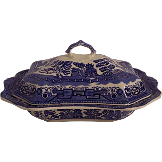 Allertons England Blue Willow Covered Vegetable Serving Dish