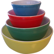 Pyrex Primary Colors Nesting Mixing Bowls Set of 4