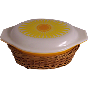 Pyrex Daisy Sunflower Casserole in Basket 1 1/2 Quart