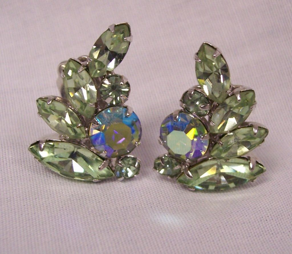 vintage weiss pale green rhinestone ab earrings from. Black Bedroom Furniture Sets. Home Design Ideas