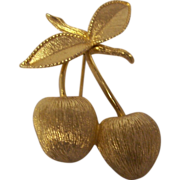Hanging Cherries Brooch Sarah Coventry Gold Tone