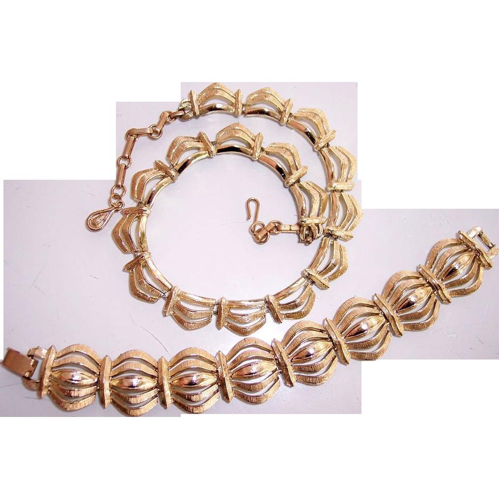 coro necklace bracelet set pegasus gold tone from