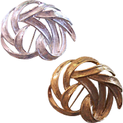 Set Monet Leafy Swirl Brooches
